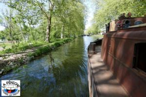 A l'amont de l'écluse n°38 de Roville-devant-Bayon, canal des Vosges.