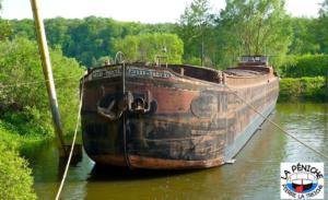 Bientôt, le bateau retrouvera l'eau !